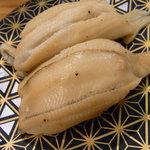 いき魚亭 - 煮穴子210円。これはなかなかよろしい。