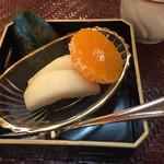 おもてなし茶屋 咲扇 - 洋ナシとみかんのフルーツ