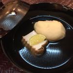 おもてなし茶屋 咲扇 - しんじょと厚揚げの煮物