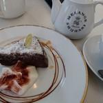 60091405 - ケーキセット(クラシックショコラ&紅茶)
