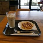 スターバックスコーヒー - 店内がオシャレだといつものスタバメニューもひときわオシャレに感じられます。