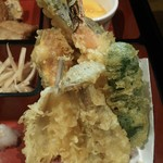 旬処味空間 - 左奥から時計回り かぼちゃ2 なす えび ピーマン しめじ 白身魚