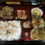 旬処味空間 - 天ぷら定食 大盛ライス