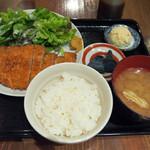 熊本居酒屋 新市街 - 天草梅肉ポークのロースとんかつ定食
