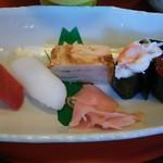 60106688 - 5種類のお寿司