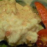 カフェ ラウンジ Theory - ハンバーグランチ 880円 のポテトサラダ