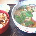 うどん亭 - 料理写真:半モツうどんセット