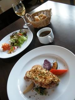 trentotto - 洋食ランチ(メイン+スープ・サラダ)ワインは別