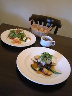 trentotto - Aランチ(おろしハンバーグの洋食ランチ)