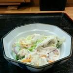 玉屋 - サラダです