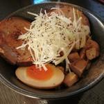 麺や 千成 - 炙りチャーシュー丼(ミニ)…税込250円