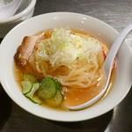 炭火焼肉 楽 - 冷麺ハーフ