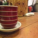 ろばた焼 玉秩父 - 日本酒「熱燗」は湯呑で…雰囲気あるなぁ!