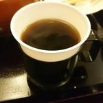 利右衛門 - サービスのホットコーヒー