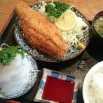 とりいづか - ヒラメ定食1100円