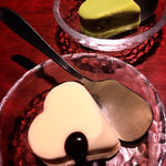 叙々苑 - サービスのバニラアイスと抹茶アイス