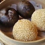 中国四川料理 秀峰 - 胡麻団子とチョコ団子