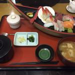 海風亭 寺泊日本海 - お刺身セット(1,080円)