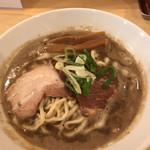麺商人 - 極濃煮干し中華