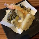 蕎麦と酒おもたか - 天ぷらアップ