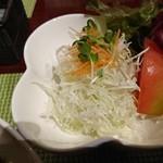 碧い森 - サラダ(ビーフカレーセット:750円→500円:ランチパスポートおかやま Vol. 11 )