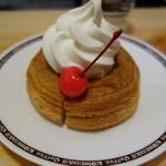 コメダ珈琲 - シロノワールふんわり焼いたデニッシュの上にソフトクリーム♪
