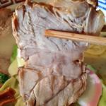 多摩利屋 - 料理写真:牛乳らーめん「かんたろう」600円+大盛り150円(チャーシュー)