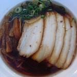 らーめん くろく - 料理写真:熟成コク旨醤油ラーメン肉増し1000円甘めのスープとコクのある返しがナイスオン