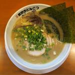 ガッキ - 201612 チャーシューメン(850円)。細麺で茹で時間は短く素早く提供される。