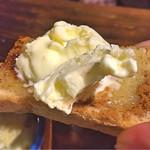 60161911 - ハニーバタートースト(アイスをのせて食べます)