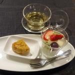 瑞雪 - 5品コース@5,400円中国茶、自家製月餅、杏仁豆腐