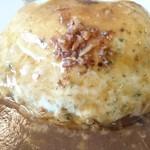 ヤマダデリ - モッツァレラのチーズハンバーグ(アップ)