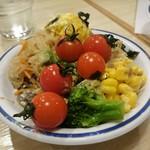 トマト&オニオン - サラダバーのサラダ