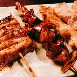 串皇 - 『しろ、鶏肝、ぼんじり、バラ』様(160円、130円、120円、130円)定番4種ですがしろ(ダルム)の旨さがだいぶ記憶に残った!
