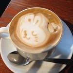 60165500 - 2016年11月:ケーキセット(\990)で選んだハニーカフェラテ。可愛い(⋈◍>◡<◍)。✧♡