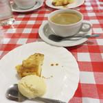 イタリア食堂 キャリー - 『りんごのキャラメリゼ・バニラ添え』です。