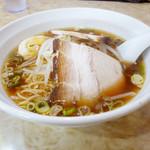 金龍美食  - 醤油麺