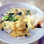金龍美食  - カニ玉子丼