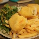 ザ ガゼボ - 秋鮭のフィッシュ&チップス(3P)