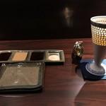 串かつ 石はら - 陶器のグラスのビール