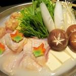 比内地鶏と個室 扇や - 佐賀県みつせ鶏のつくねと比内地鶏の白湯風水炊き鍋