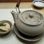 60167086 - 松茸の土瓶蒸し