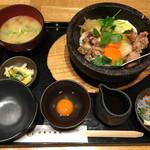 侘家古暦堂 - 名物 石焼親子丼セット  1,200円