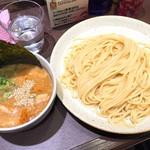 越後つけ麺維新 - 旨辛鶏とん・大盛(860円)