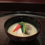 60172624 - 胡麻豆腐と金時人参の白味噌仕立て