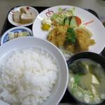 ニューケヤキ - 料理写真:カキフライ定食980円(内税)。