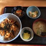しみず - うつぼ蒲焼き丼750円