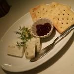 60175871 - チーズ盛り合わせ3種:1,080円