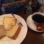 60176186 - ケーキ・セット(サントス・ニブラ&シフォン・ケーキ【自家製】)850円+税