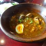 しんペー - 骨無しチキンと野菜の辛味噌スープカレー